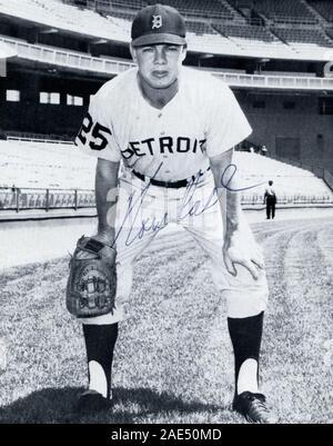 Vintage autographed black and white souvenir photo off Norm Cash with the Detroit Tigers circa 1960s. Stock Photo