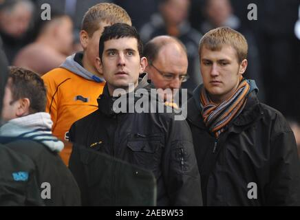 28th January 2012. Soccer - Premiership Football - Wolverhampton Wanderers Vs West Bromwich Albion. Wolves fans at the final whistle.   Photographer: Paul Roberts/Oneuptop/Alamy. - Stock Photo