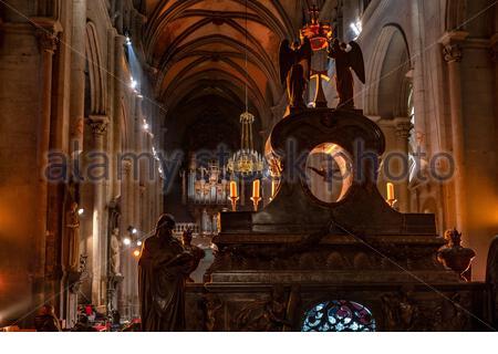 Saint-Antoine-l'Abbaye : interior of the Abbey church - Stock Photo
