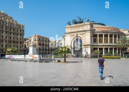 Teatro Politeama Garibaldi at Piazza Ruggero Settimo in Palermo, Sicily.  The theatre completed in 1891 was built for a variety of shows seating 5000 - Stock Photo