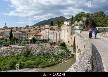 Nyons (south-eastern France): overview of the town in the Regional Nature Park parc naturel regional des Baronnies provencales, in the Drome provenc - Stock Photo