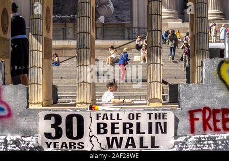 The 30th anniversary of the fall of the Berlin Wall is also celebrated in the streets of New York. During the traditional Steuben Parade at the end of September, a replica of the Brandenburg Gate rolled over Fifth Avenue. (21 Sept 2019) | usage worldwide - Stock Photo
