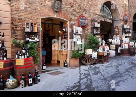 SAVE WATER, DRINK WINE! The Cantina Pulcino - a picturesque enoteca with restaurant - in Montepulciano (Siena -Tuscany - Italy). - Stock Photo