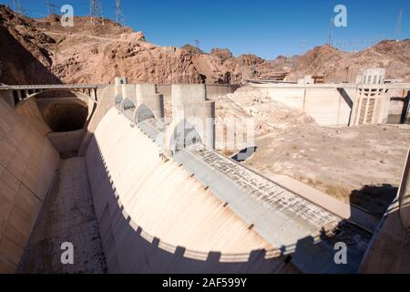 The overspill, standing high and dry at the Hoover Dam on Lake Mead, Nevada, USA, following a four year long drought. - Stock Photo