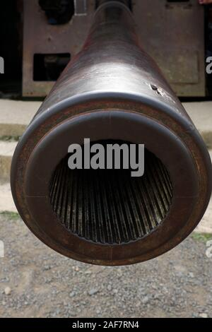 Muzzle of a German 150mm naval gun at Longues-sur-Mer battery, Normandy, France - Stock Photo