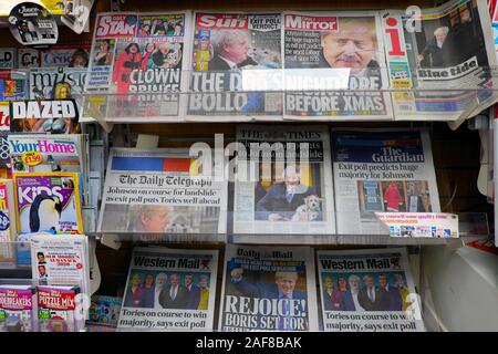 Election result British newspaper headlines on front page of tabloid and broadsheet newspapers in a newsagent shop in Great Britain UK  KATHY DEWITT - Stock Photo