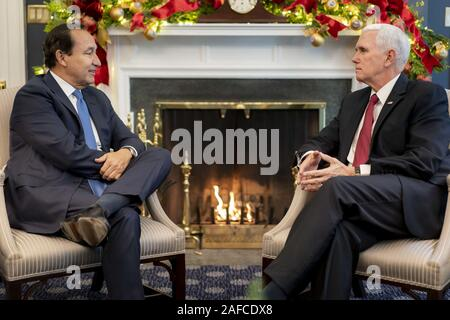 Washington, United States Of America. 12th Dec, 2019. Vice President Mike Pence meets with United Airlines CEO Oscar Munoz Thursday, Dec. 12, 2019, in his West Wing Office of the White House. People: Vice President Mike Pence Credit: Storms Media Group/Alamy Live News - Stock Photo