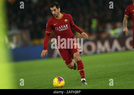 Henrikh Mkhitaryan (Roma) in action during the Serie A match between AS Roma and SPAL at Stadio Olimpico on December 15, 2019 in Rome, Italy. Rome beat Spal by 3-1 for the 16th round of Serie A (Photo by Giuseppe Fama/Pacific Press) - Stock Photo