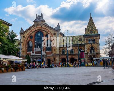 The Amazing Central Market Hall at Fovam Square in Budapest is a great place to shop for souvenirs or to eat a fabulous lunch - Stock Photo