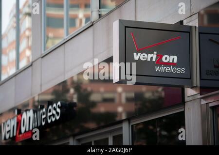 A Verizon Wireless logo on a storefront in Washington, D.C., as seen on Novemeber 21, 2019. (Graeme Sloan/Sipa USA) - Stock Photo