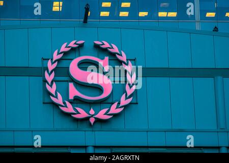 Calgary, Alberta. Canada Dec 20 2019. Sheraton Hotel sign from the top of a building location at Calgary. Sheraton hotels to get $500M in upgrades and - Stock Photo