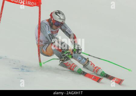 Alta Badia, Italy. 22nd Dec, 2019. kristoffersen henrik (nor) first classifiedduring FIS SKI WORLD CUP 2019 - Giant Slalom Men, Ski in Alta Badia, Italy, December 22 2019 - LPS/Sergio Bisi Credit: Sergio Bisi/LPS/ZUMA Wire/Alamy Live News - Stock Photo