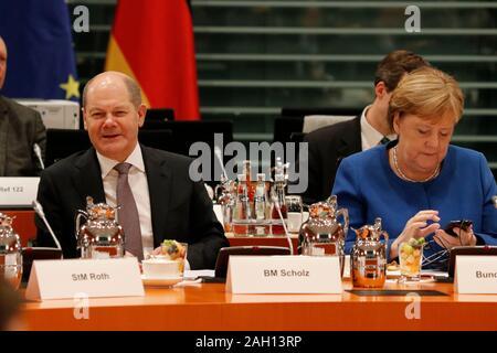 Olaf Scholz, Angela Merkel u.a. - Treffen der dt. Bundeskanzlerin mit den Regierungschefs der Laender, Bundeskanzleramt, 5. Dezember 2019, Berlin/ Vol - Stock Photo