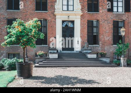 Rozendaal, Netherlands, 25 August 2019: The entrance of the castle and park  Rosendael located in Rozendaal in the Netherlands - Stock Photo