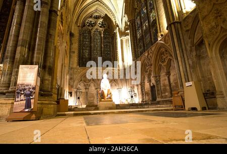 Altar area inside Lincoln Cathedral, Lincolnshire, UK - Stock Photo