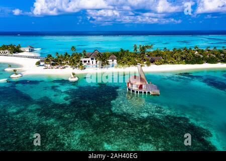 Maldives, South Male Atoll, Kaafu Atoll, Aerial view of resorts