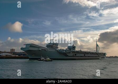The Royal Navy aircraft carrier HMS Prince of Wales (RO9) docked in Portsmouth, UK - Stock Photo