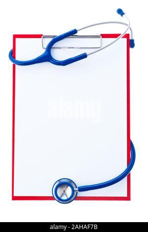 Ein Klemmbrett mit  Papier und einem Stethoskop. Umfrage und Befunde bei einem Arzt. - Stock Photo