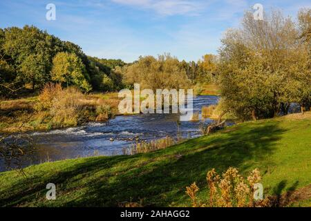 26.10.2019, Datteln, North Rhine-Westphalia, Germany - Lippe, river and floodplain development of the Lippe near Haus Vogelsang, here a natural river - Stock Photo