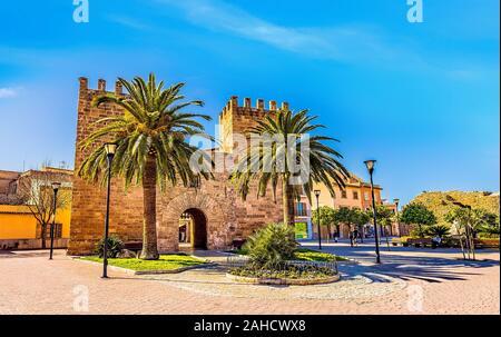 Alcudia old town gate Porta del Moll - Stock Photo