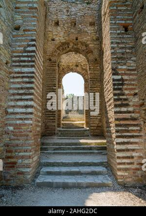 Ruins of Catullo's Villa at Sirmione, on Lake Garda, Province of Brescia, Lombardy, Italy.