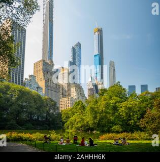Manhattan, New York City, United States : [ Central park, midtown Manhattan, Bethesda mall fountain panorama ]