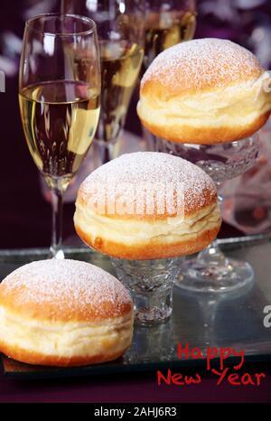 Faschingskrapfen, Berliner, Kuchen, Sekt, Fasching, Karneval, Silvester, Happy New Year, Frohes Neues Jahr, - Stock Photo