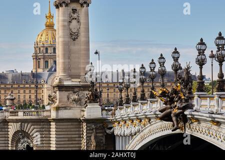 Pont Alexandre III, Hôtel des Invalides, Paris, France