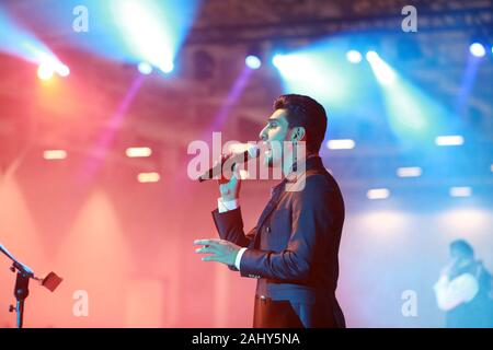 Istanbul, Istanbul, Turkey. 31st Dec, 2019. A picture taken on December 31, 2019 shows Palestinian singer Mohammed Assaf performs during new Year's party in Istanbul, Turkey Credit: Shady Alassar/APA Images/ZUMA Wire/Alamy Live News