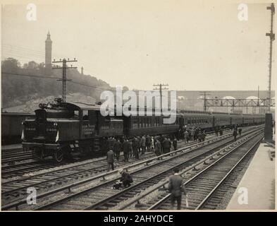 First Electric Train, Sept. 30th, 1906. Leaving High Bridge for Grand Central Station. William J. Wilgus papers Series 1: New York Central & Hudson - Stock Photo