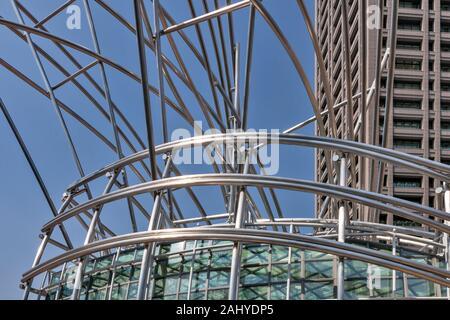 The National Museum of Art, designed by architect Cesar Pelli, Tosaboridori, Edobori, Osaka Fu, Japan. - Stock Photo