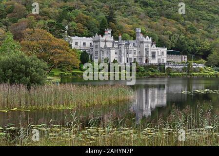 Kylemore Abbey, County Galway, Connemara, Republic of Ireland, North-western Europe. - Stock Photo