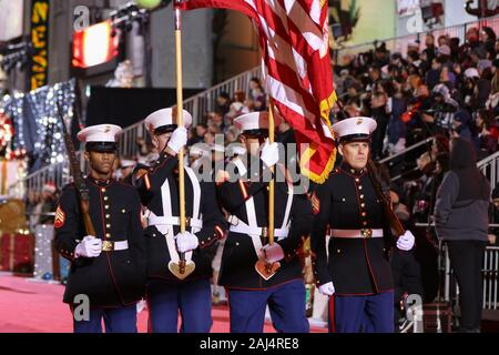 88th Annual Hollywood Christmas Parade in Hollywood, California on December 1, 2019. Featuring: U.S. Marine Corps Color Guard Where: Los Angeles, California, United States When: 02 Dec 2019 Credit: Sheri Determan/WENN.com - Stock Photo
