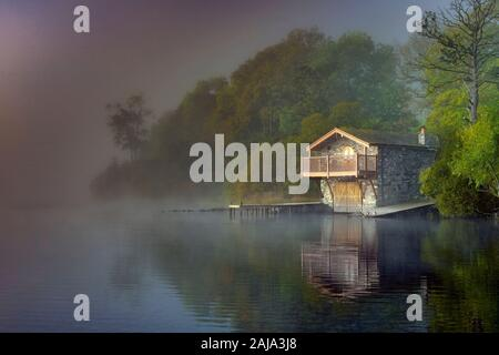 The Duke of Portland Boathouse in autumn, near Pooley Bridge on Ullswater Lake, Lake District, Cumbria, England, Uk, Gb. - Stock Photo