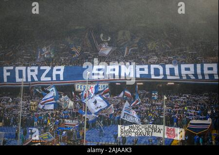 Genoa, Italy. 22 September, 2019: Fans of UC Sampdoria show their support prior to the Serie A football match between UC Sampdoria and Torino FC. Credit: Nicolò Campo/Alamy Live News - Stock Photo