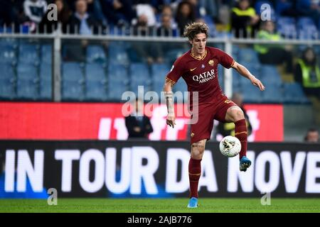 Genoa, Italy - 20 October, 2019: Nicolo Zaniolo of AS Roma in action during the Serie A football match between UC Sampdoria and AS Roma. The match ended in a 0-0 tie. Credit: Nicolò Campo/Alamy Live News - Stock Photo