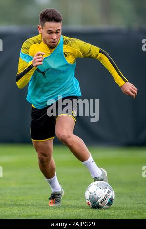 Marbella, Spain. 05th Jan, 2020. Football: Bundesliga, training camp of Borussia Dortmund (until 12.1.) in Marbella (Spain). Dortmund's Raphael Guerreiro runs with the ball on his foot. Credit: David Inderlied/dpa/Alamy Live News - Stock Photo