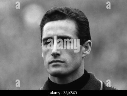 London, Deutschland. 06th Jan, 2020. goalkeeping legend Hans TILKOWSKI passed away at the age of 84, archive photo; National player goalwart Hans TILKOWSKI, football, portrait, portrait, German national football team, 09.10.1965. | usage worldwide Credit: dpa/Alamy Live News - Stock Photo