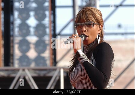 Verona Italy 09/20/2003, Arena : Mary J. Blige during the soundcheck before the concert of the musical event 'Festivalbar 2003'. - Stock Photo