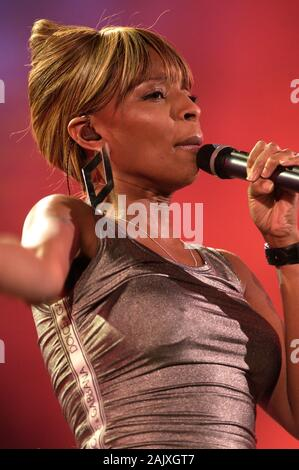 Verona Italy 09/20/2003, Arena :  Mary J.Blige in concert during the musical event 'Festivalbar 2003'. - Stock Photo
