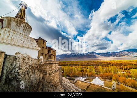 Himalayan mountain landscape along Leh - Stock Photo