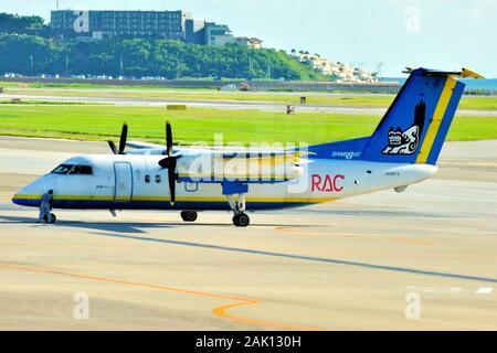 Ryukyu Air Commuter, RAC, De Havilland Canada Dash 8, DHC-8-100, JA8973, Getting Ready For Departure, Naha Airport, Okinawa, Japan