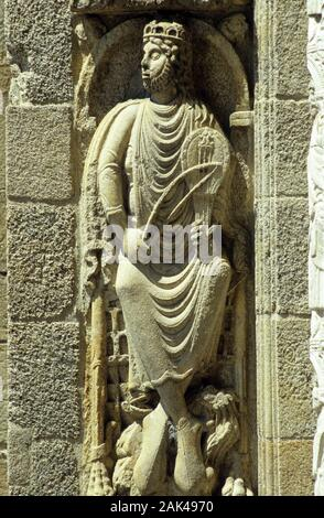 Northern Spain: Santiago de Compostela - Statue of King David at the Western Portal of the Cathedral | usage worldwide - Stock Photo