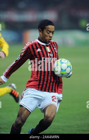 Milan Italy, 15 February 2012,' G.MEAZZA - SAN SIRO' Stadium, UEFA Champions League 2011/2012 ,AC Milan - FC Arsenal : Urby Emanuelson in action during the match - Stock Photo