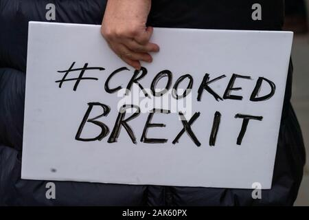 London UK 7th Jan. 2020 Pro and anti brexit protesters outside the Houses of Parliament Credit Ian DavidsonAlamy Live News - Stock Photo