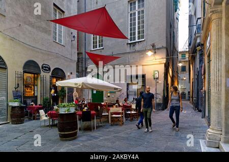 Italy, Liguria, Genoa, small streets of the historical centre, Piazza della Posta Vecchia - Stock Photo