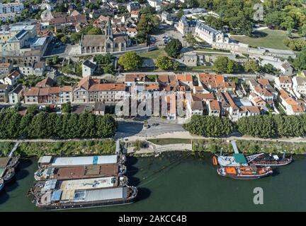 France, Yvelines, Conflans Sainte Honorine, the harbour at the confluence of the Seine and Oise Rivers (aerial view) - Stock Photo