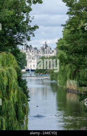 St James's Park - Central London - Stock Photo