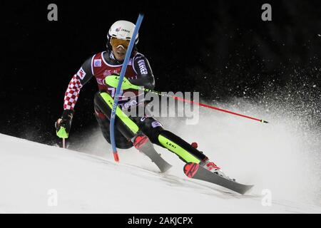 Madonna Di Campiglio, Italy. 8th Jan, 2020. kolega samuel (cro)during FIS AUDI World Cup - Slalom Men, Ski in Madonna di Campiglio, Italy, January 08 2020 - LPS/Sergio Bisi Credit: Sergio Bisi/LPS/ZUMA Wire/Alamy Live News - Stock Photo