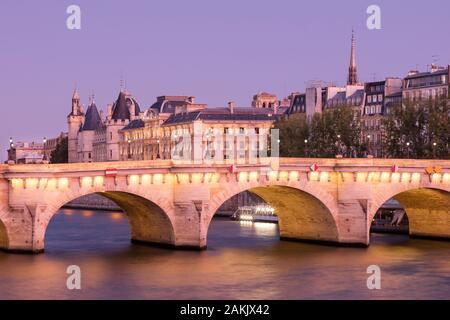 Pont Neuf, the Conciergerie and the buildings of Ile-de-la-Cite, Paris, Ile-de-France, France - Stock Photo